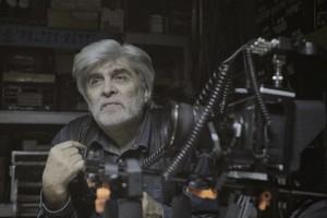 А.П. Лапшов - кинооператор высшей категории объясняет студентам выбор видеокамеры