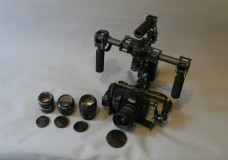 Электронный стедикам Ленвидео работает и с камерой Canon 7D с  объективами 28, 85 и Tokina 11-16, и с камерой  Panasonic GH4 с линзой 12-35 без электронной перенастройки